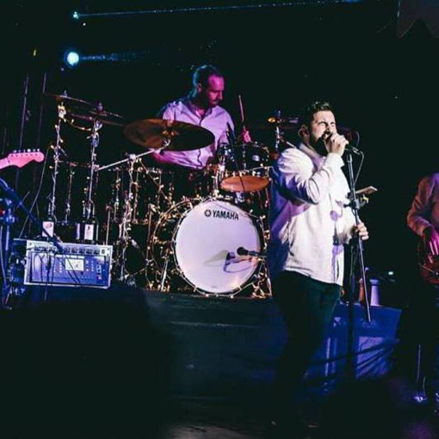 hire live band for events