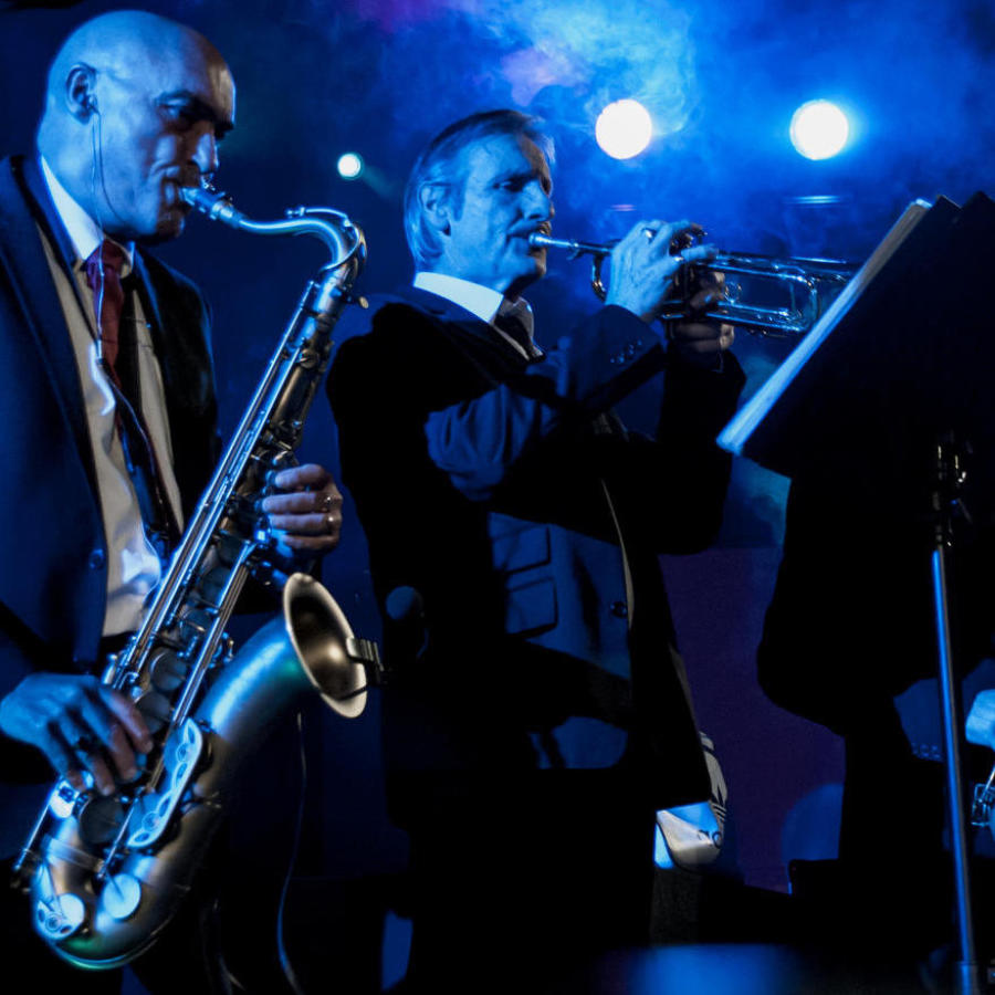 soul-train-band-with-live-brass